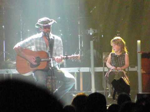 Dean Brody- Brothers. Dean brings 5 year old fan on stage