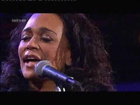 Caoline Henderson    Bang Bang My Baby Shot Me Down   Jazz Burghausen 2010