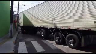 Caminhão do ITEP levando corpos de Alcaçuz
