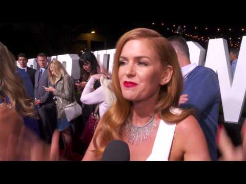 Keeping Up with the Joneses: Isla Fisher Red Carpet Movie Interview