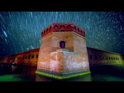 TORTUGAS ROCK - DRY TORTUGAS NATIONAL PARK ASTRO TIMELAPSE