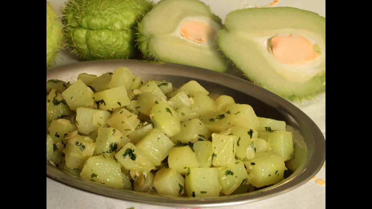 Ricetta Zucchine Spinose In Padella.Zucchina Centenaria Chayote In Umido Chuchu Refogado Youtube