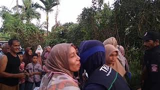 Rumah Janda Cantik Dua Anak Di lahap Si Jago Merah, Dinsos Aceh Besar Langsung Memberikan Bantuan