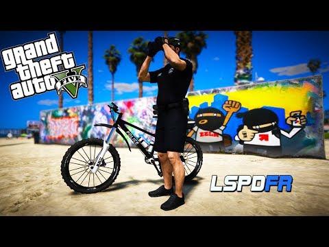 GTA 5 LSPDFR - Bike Patrol - Panic Button on beach