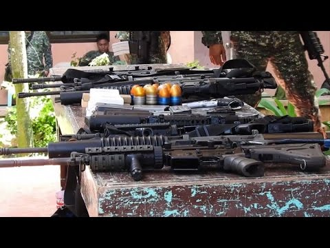 Philippine marines seize arms from IS group in Marawi