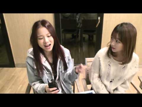 (CUT) EXID Solji and Hyerin singing Up&Down's chorus @ KoonTV 141126