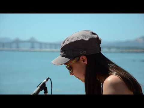 """Yakima Pop-Up Stage: Holly Bowling - """"Waves"""""""