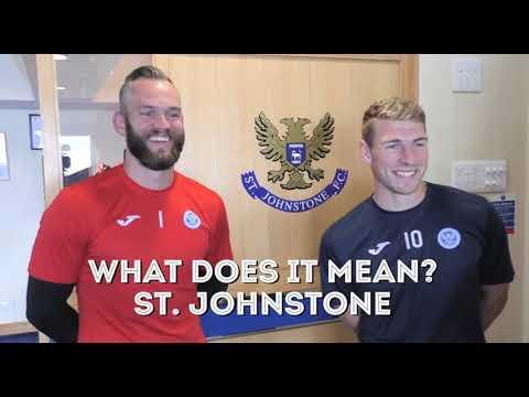 Alan Mannus and David Wotherspoon practice Scottish Gaelic