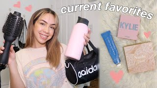 MY CURRENT OBSESSIONS | makeup, fashion, netflix, podcasts & more! (+ giveaway)