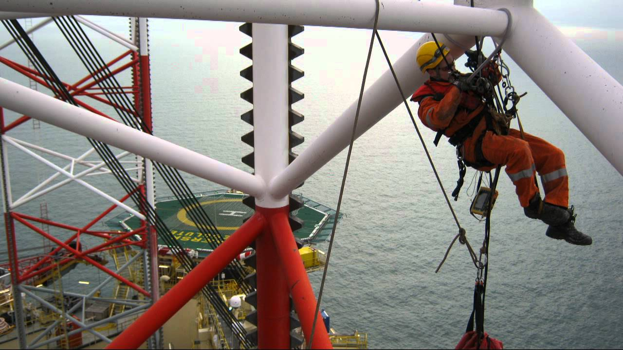 DIRA-group IRATA rope access offshore industrie Maersk Resolute ...