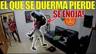 EL QUE SE DUERMA PIERDE | REACCIONA A GOLPES (HotSpanish Vlogs)