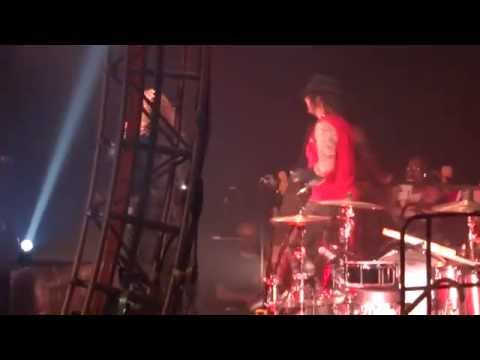 Motley Crue LIVE 2015 - Home Sweet Home - Allstate Arena - Rosemont, IL