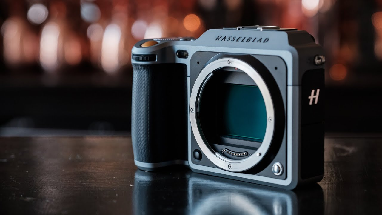 Full Frame Or Medium Format Hasselblad 39;s Medium Format X1d Mirrorless Camera Youtube
