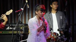 "YOCKIE SP at Hard Rock Cafe 2016 "" Melati Suci "" Tika Bisono"