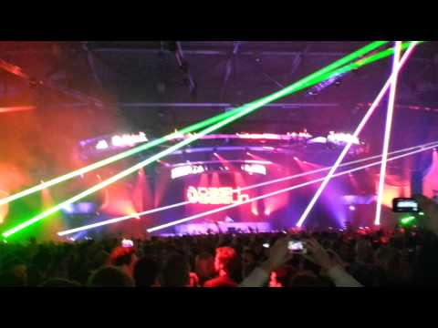 Dash Berlin@ASOT 600 Den Bosch (Tiësto vs. Pendulum -- Lethal Island (Dashup))