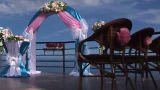 выездная церемония на берегу Черного моря от свадебного дома