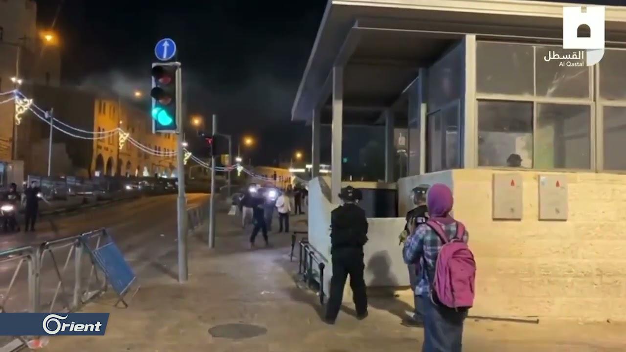 قوات الاحتلال الإسرائيلي تقتحم المسجد الأقصى من باب الأسباط وباب السلسلة وتحاصر المرابطين  - 22:57-2021 / 5 / 11