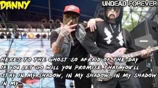 Скачать Hollywood Undead Ghost Lyrics Video
