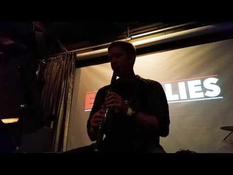 Huber Plays the Clarinet  - Easy Allies in Concert