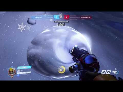 Overwatch: Christmas Update Mei Snowball Fight Game Play