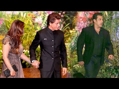 Salman Khan's MACHO ENTRY In Front Of SRK @Mukesh Ambani's Daughter Isha Ambani WEDDING Reception