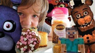 Видео для детей. 5 ночей с Фредди. Адриан и Света против аниматроников Украшаем десерты.