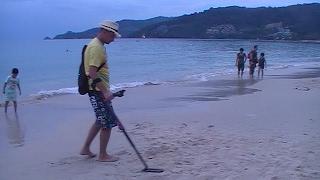 Пляжный поиск с Go find 60. Горы цветмета!(Пляжный поиск с металлоискателем Go Find 60 на берегах Пхукета. Что можно найти на берегах Пхукета и как различа..., 2017-02-14T18:34:08.000Z)