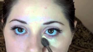 Simple Winged Eyeliner Look Thumbnail