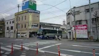 快走する高速バス・メドレー~JR三次駅-三次バスセンター