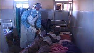 شبح إيبولا يخيم على جمهورية الكونغو الديمقراطية.. و4000 لقاح للحد منه…