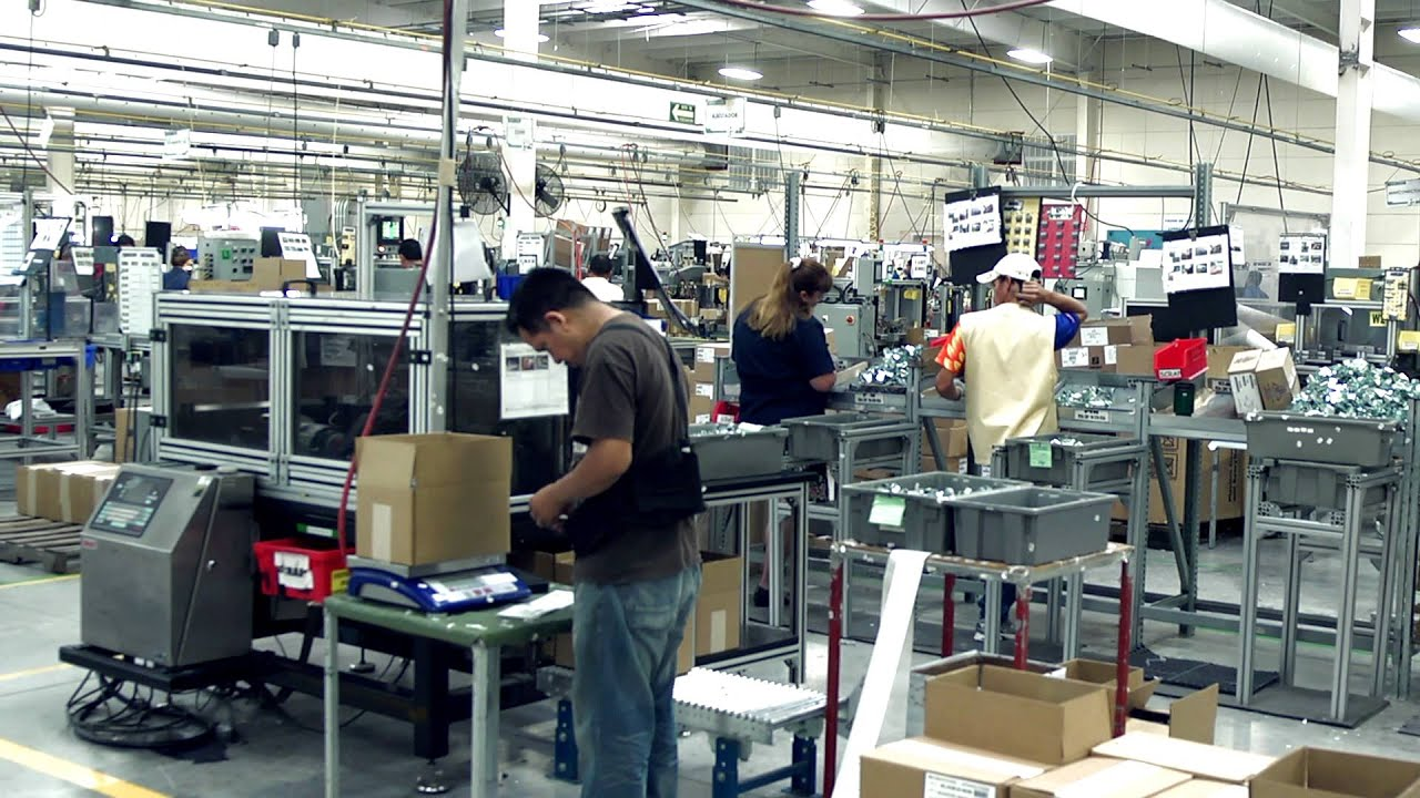 the maquiladora Maquiladora definition is - a foreign-owned factory in mexico at which imported parts are assembled by lower-paid workers into products for export.