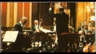 """Astor Piazzolla  """"Adiós Nonino"""" en el Teatro Colón."""