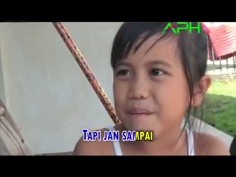 Upiak Bulu Feat Fera Imut - Cari Apak Baru -Official Music Video - APH