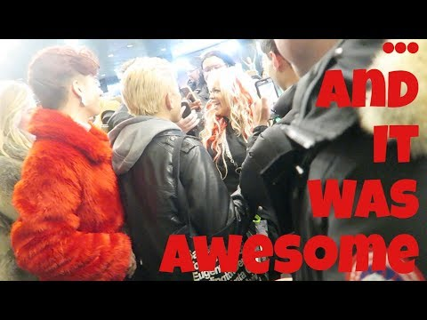 MOBBED IN NYC! VLOGMAS DAY 11