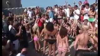 Конкурс эротического танца на пляже часть 3