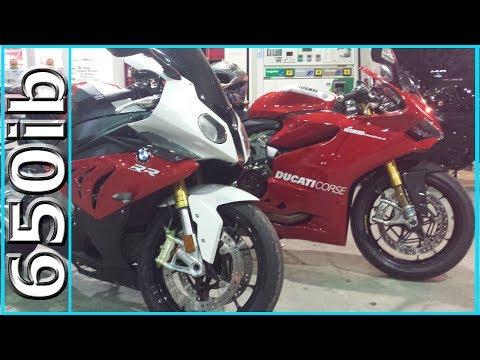 Ducati 1199 Panigale R -vs- BMW S1000RR!