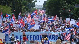 Cientos de cubanos se concentran nuevamente frente a la Casa Blanca pidiendo el apoyo de Joe Biden