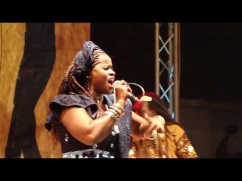 Malian singer Mama Diakité live at Spot On Mali Music