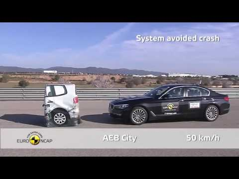 Bmw 5 Series 2017 (G30) vs Mercedes Benz E-Classe 2016 (W213) Crash and Security System Test