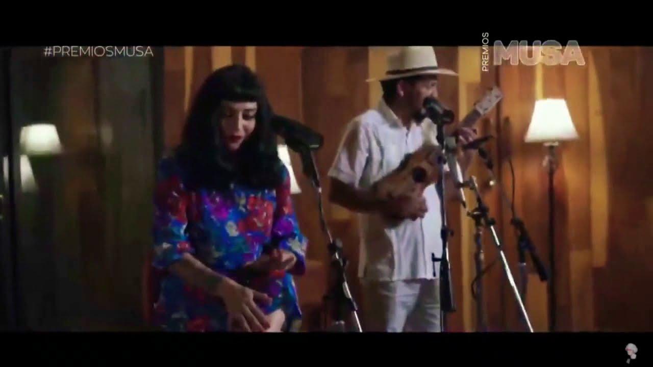 Que se sepa nuestro amor - Premios Musa - Mon Laferte