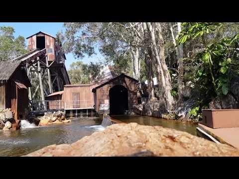 Rocky Hollow Log Ride   Dreamworld