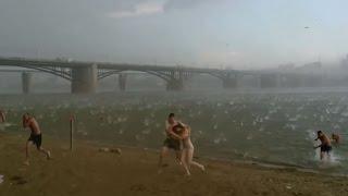 Badai dan Hujan Batu Secara Tiba - Tiba | Fenomena Alam Aneh | Peristiwa Alam Hujan Batu