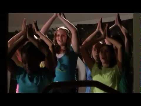 jasmine singing at Beattie Middle School