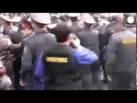 Detained' As Armenia Police Block Anti Government March In Yerevan
