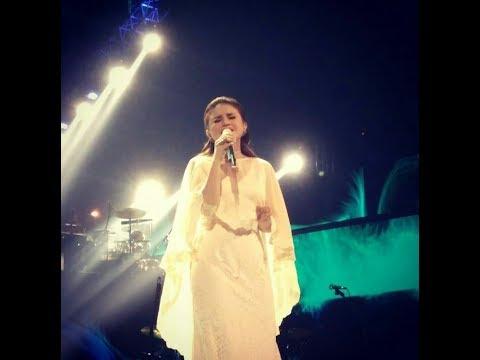Konser PADI featuring Rossa - Semua Tak Sama