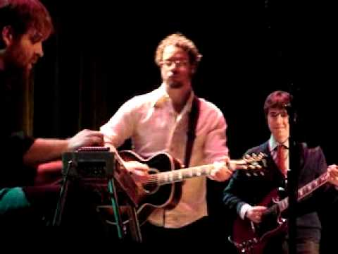 """Amos Lee At The Ryman Performing """"The Wind"""""""