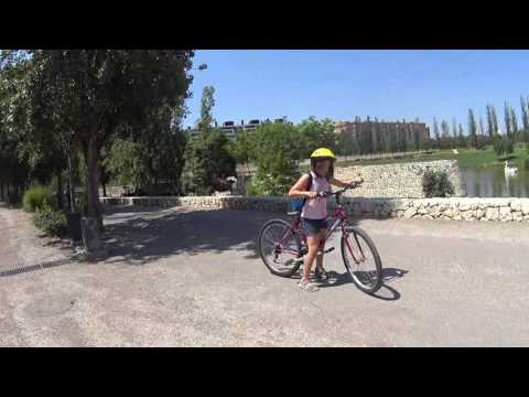13 Mile Bike Ride w/ Nellie Through Turia Gardens in Valencia - July 2016
