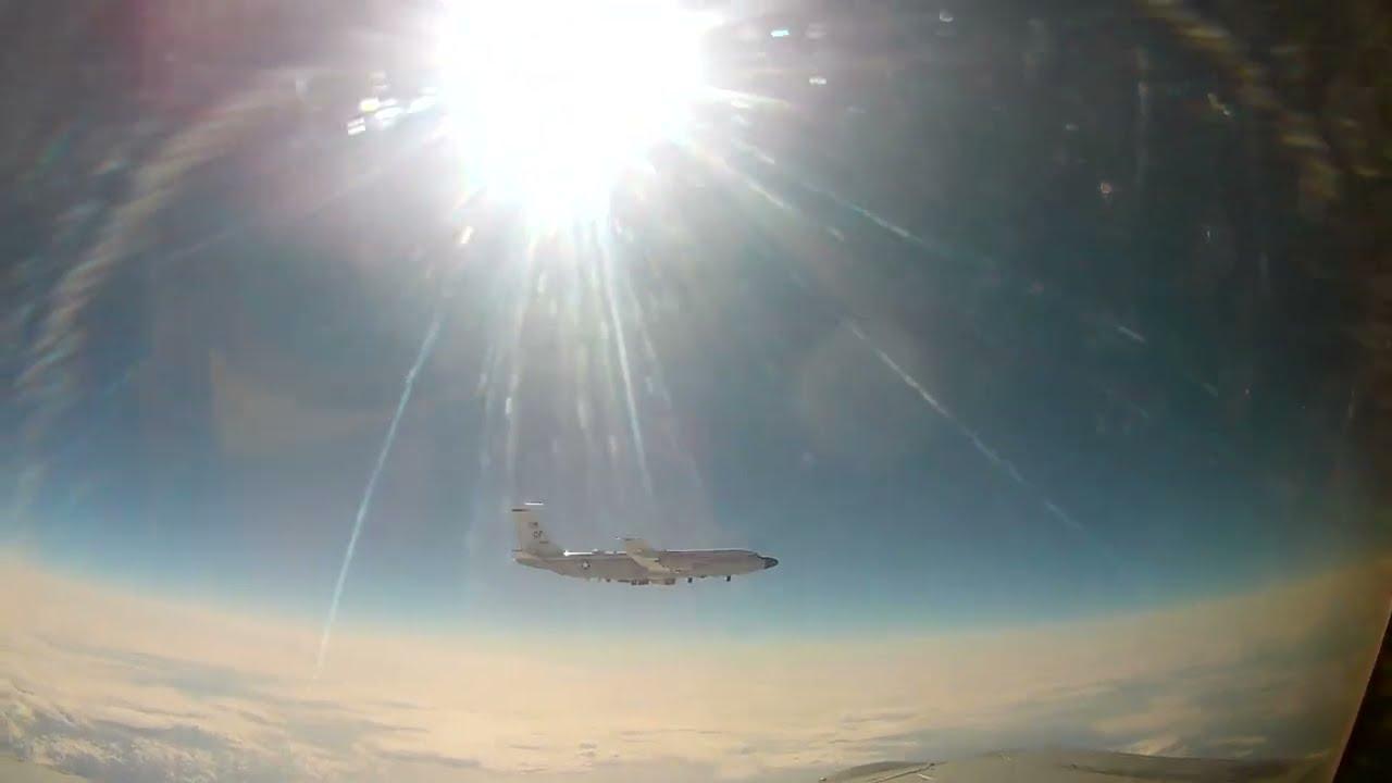 Տեսանյութ.Ռուսական ՄիԳ–ը թույլ չի տվել, որ ամերիկյան հետախույզ ինքնաթիռը խախտի սահմանը