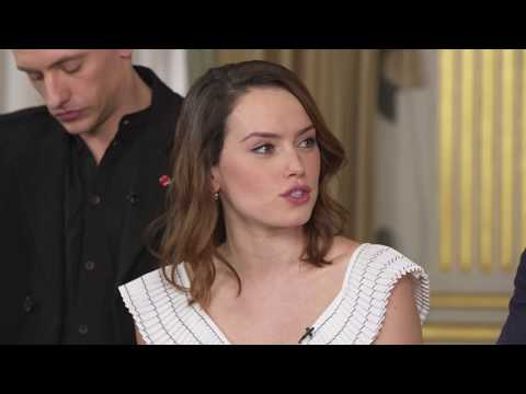 Murder on the Orient Express Cast Answers Fan Questions | IMDb Exclusive