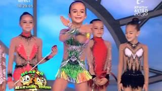 Fetiţele de la CS Olimpia Bucureşti, reprezentaţie de gimnastică ritmică